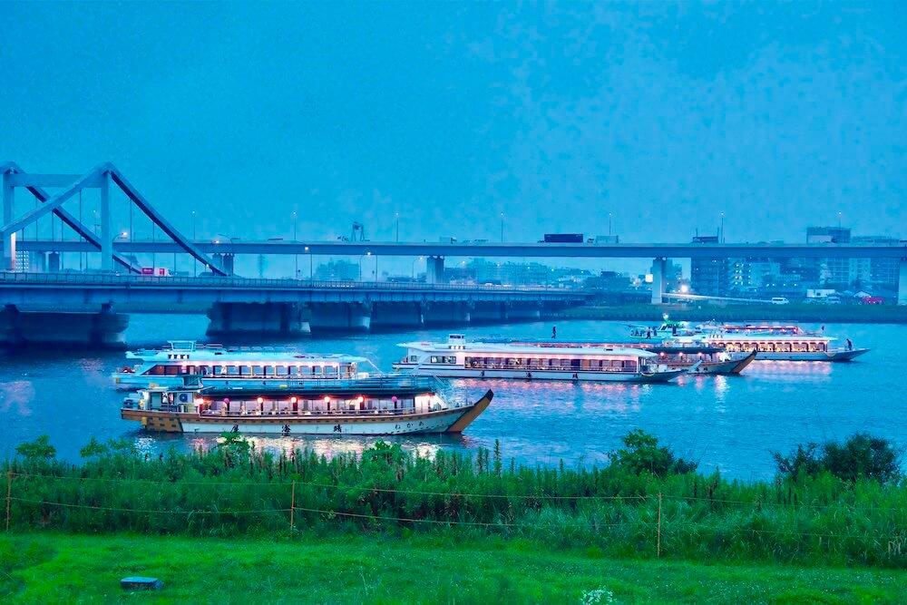 江東花火大会と屋形船